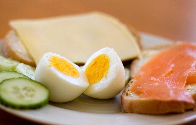 不吃早餐危害大!哪些食物早餐不能吃?